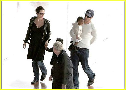 brad angelina airport19
