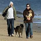 jake gyllenhaal beach34