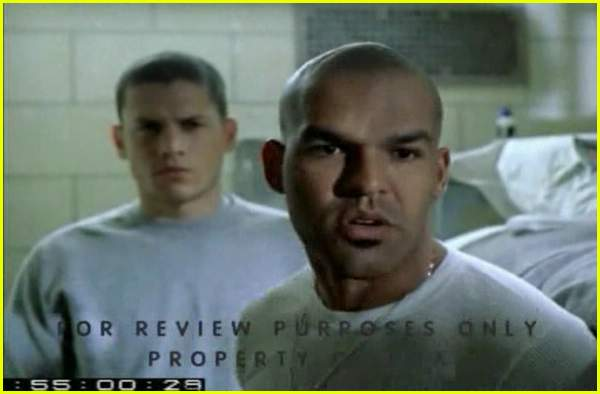 prison break skin and teeth055