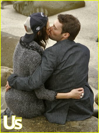 ryan seacrest teri hatcher kissing01