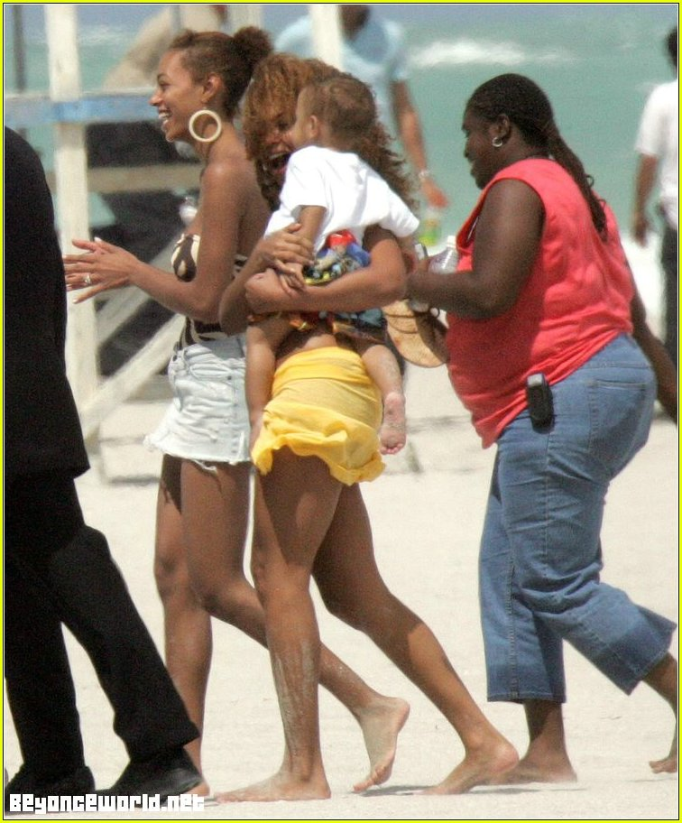beyonce bikini06 Pictures of nude mature women in their 50's and 60's.