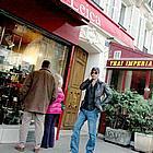brad pitt shopping03