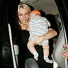 britney spears carrying sean preston02