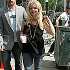 britney spears carrying sean preston10