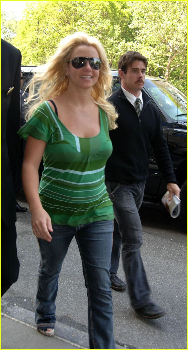 28 Pregnant Britney Spears Cries Tom Photo 233211