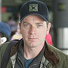 ewan mcgregor airport01