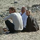 jude law sienna miller beach05