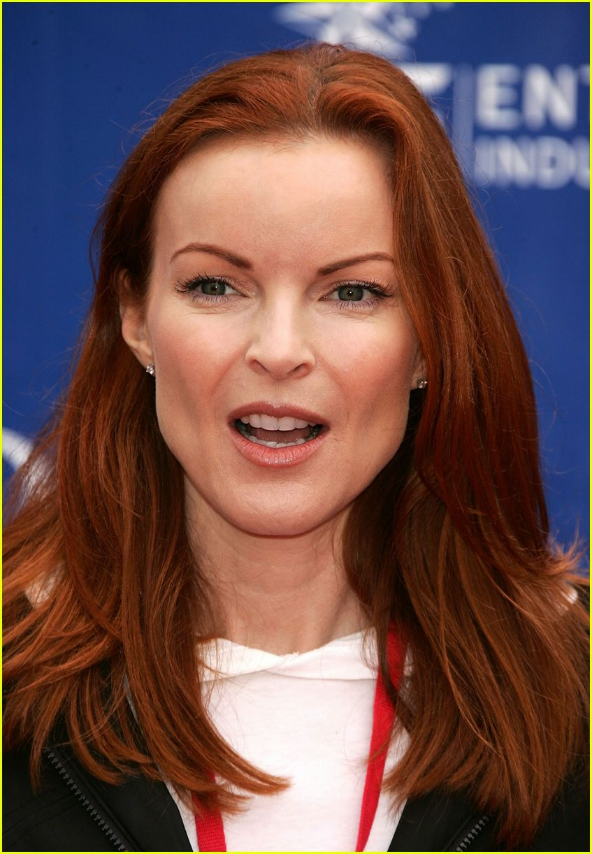 marcia cross revlon cancer walk 2006 09
