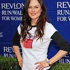 julianne moore revlon cancer walk 2006 06