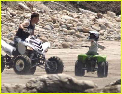 brad maddox riding atvs15395351