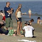 jessica alba beach01