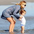 kate hudson beach 09