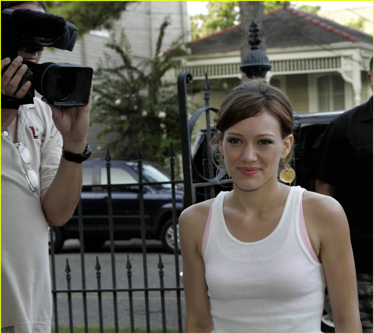 hilary duff new orleans 01
