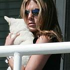 jennifer aniston dog 01