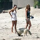jennifer aniston beach 22