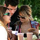 nicole richie brody jenner snuggling 08