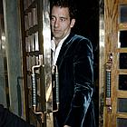 clive owen the ivy 01