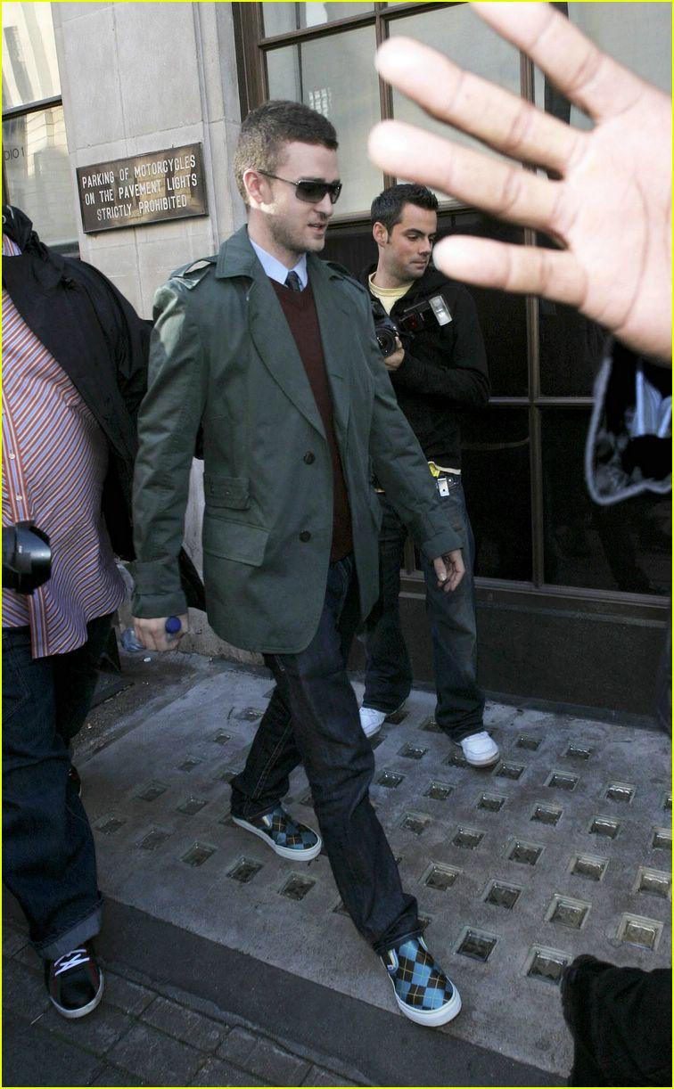 Full Sized Photo of justin timberlake sunglasses 12 ... Justin Timberlake