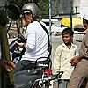 brad pitt taking pictures in pune 12