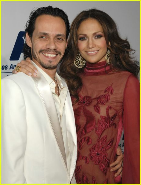 jennifer lopez free clinic dinner 10