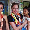 brad angelina cambodia 01