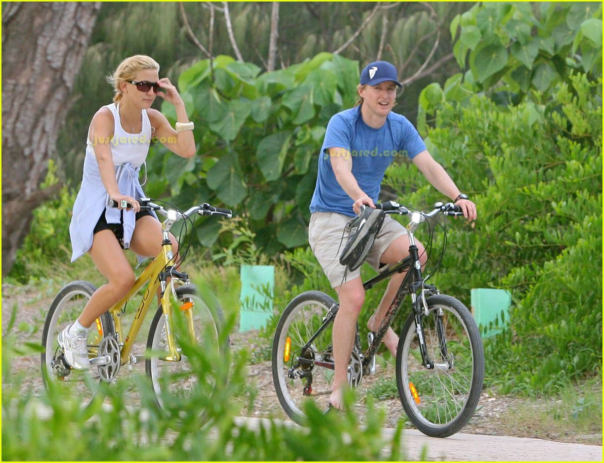kate hudson owen wilson bike riding 02