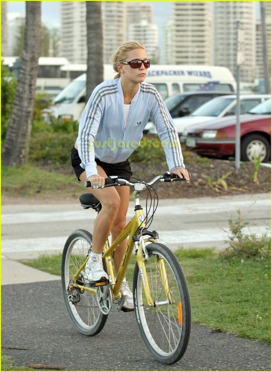 kate hudson owen wilson bike riding 04