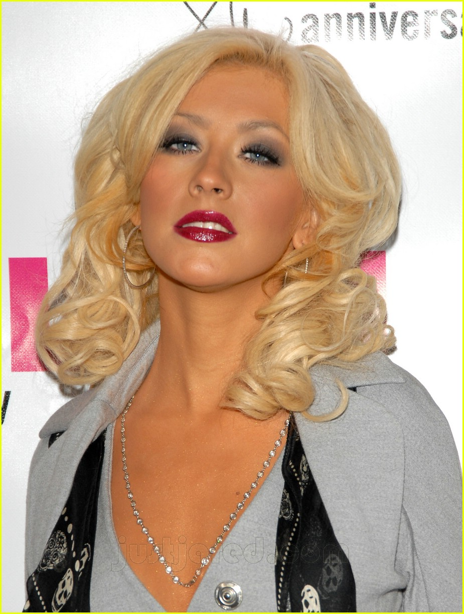 christina aguilera nylon party 03