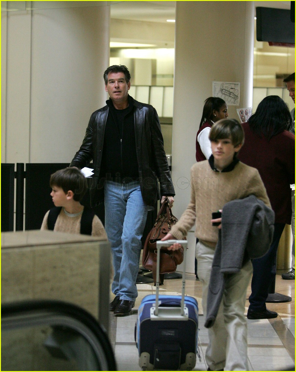 dylan brosnan paris brosnan pierce brosnan 01