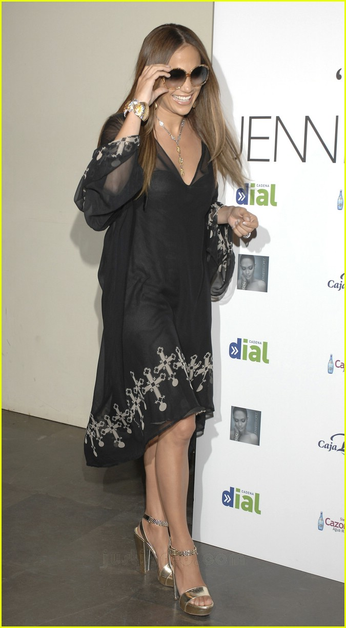 jennifer lopez celtic cross frock 23