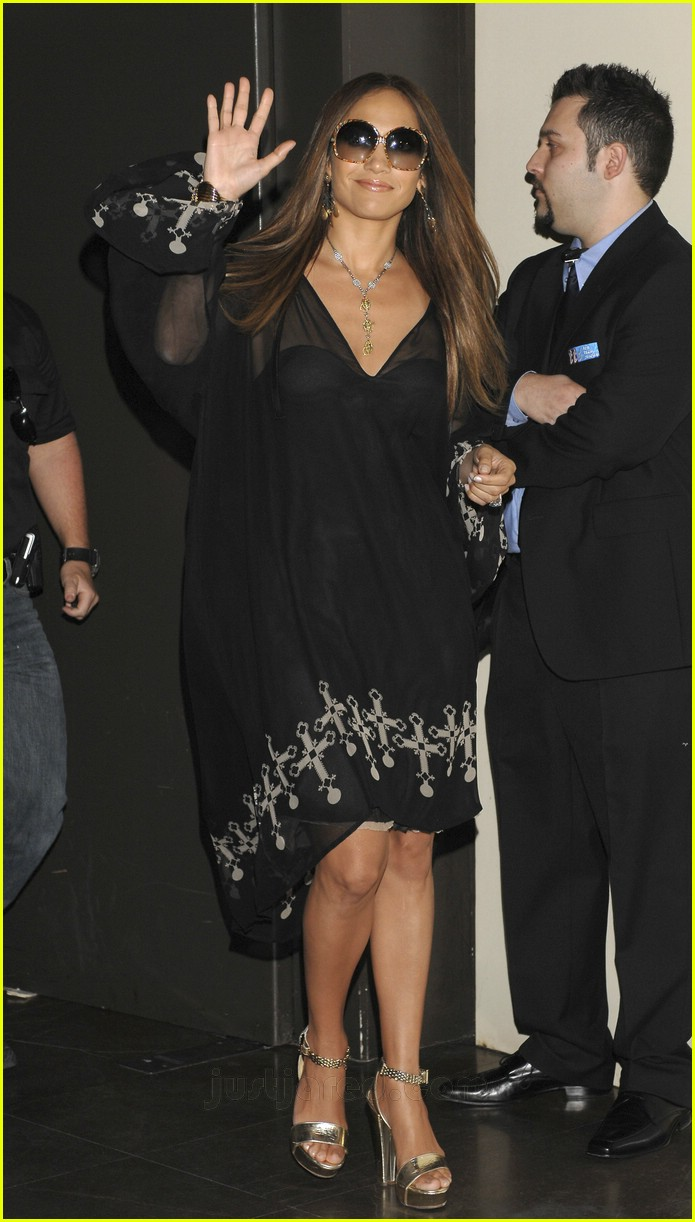 jennifer lopez celtic cross frock 24