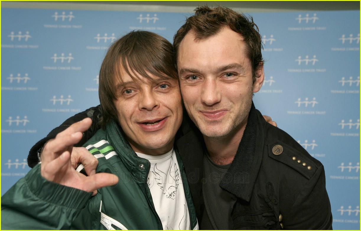 jude law teenage cancer trust 04