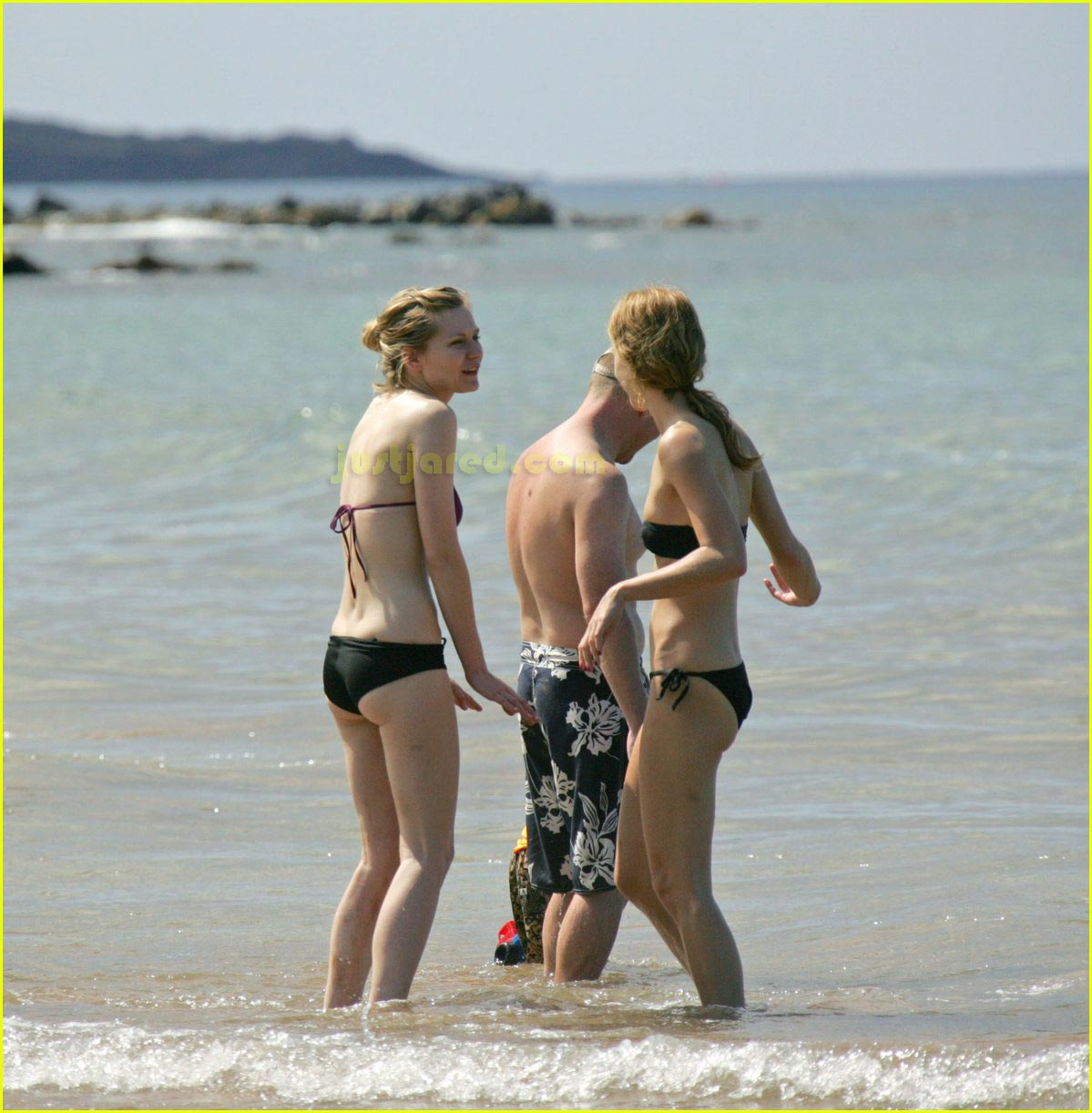 kirsten dunst bikini 02