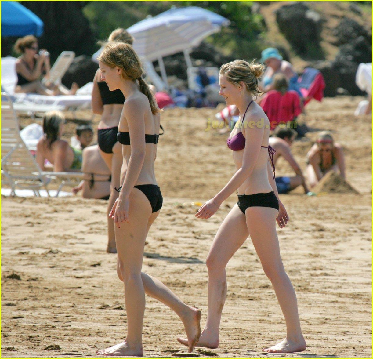 kirsten dunst bikini 04