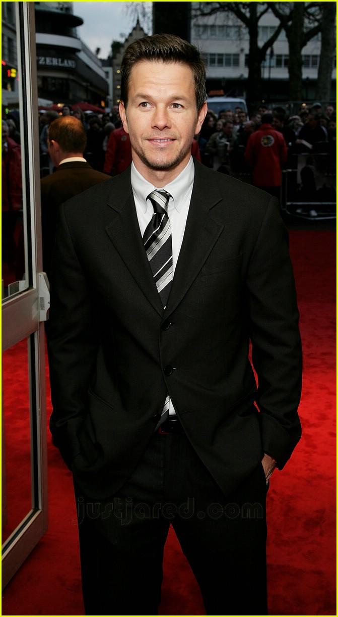 Full Sized Photo of mark wahlberg suit 20 | Photo 79851 ... Mark Wahlberg
