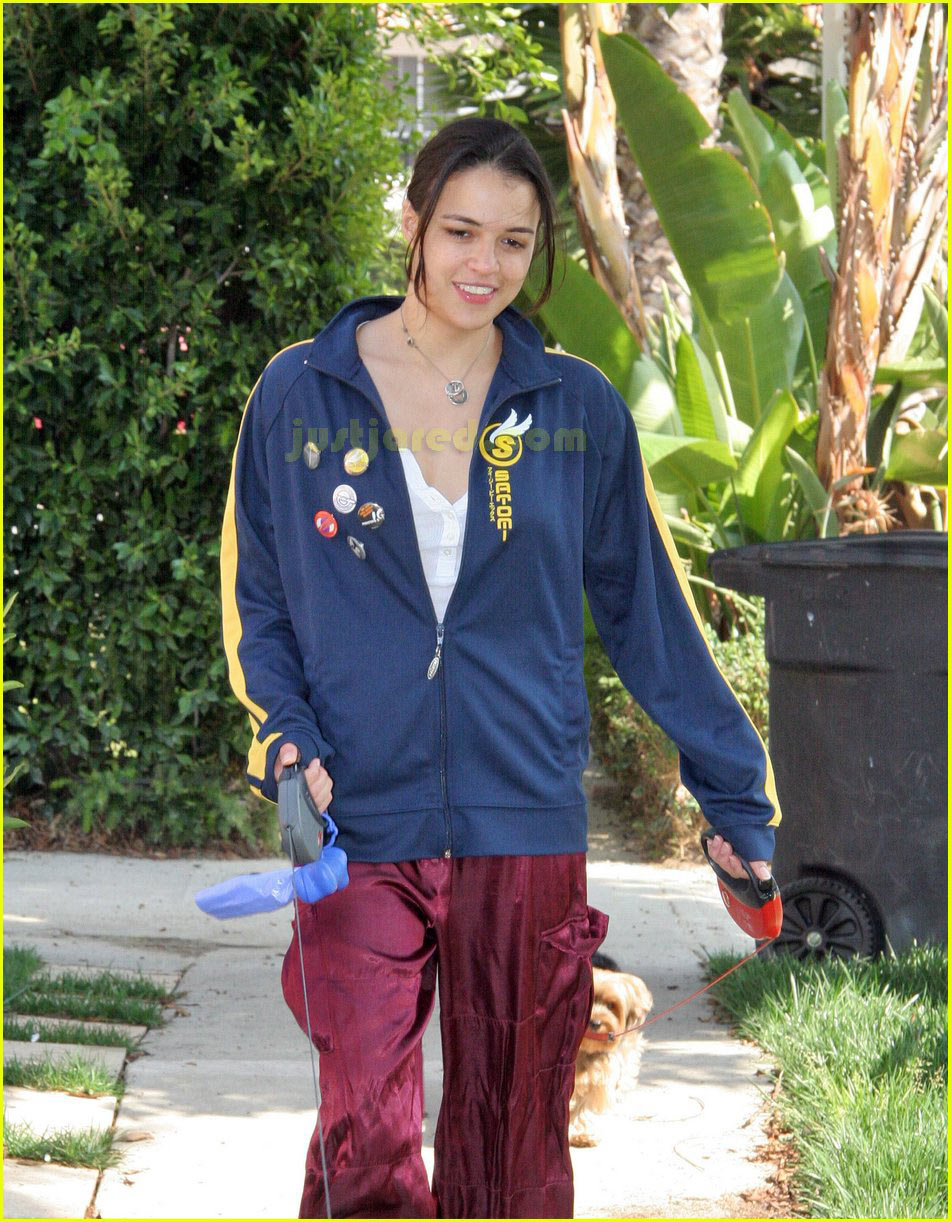 michelle rodriguez dog 01