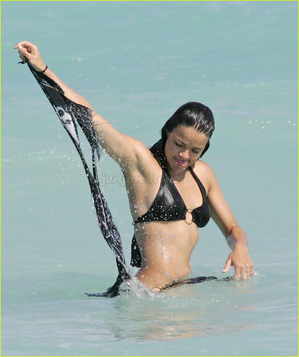 bikinis falling off - photo #24