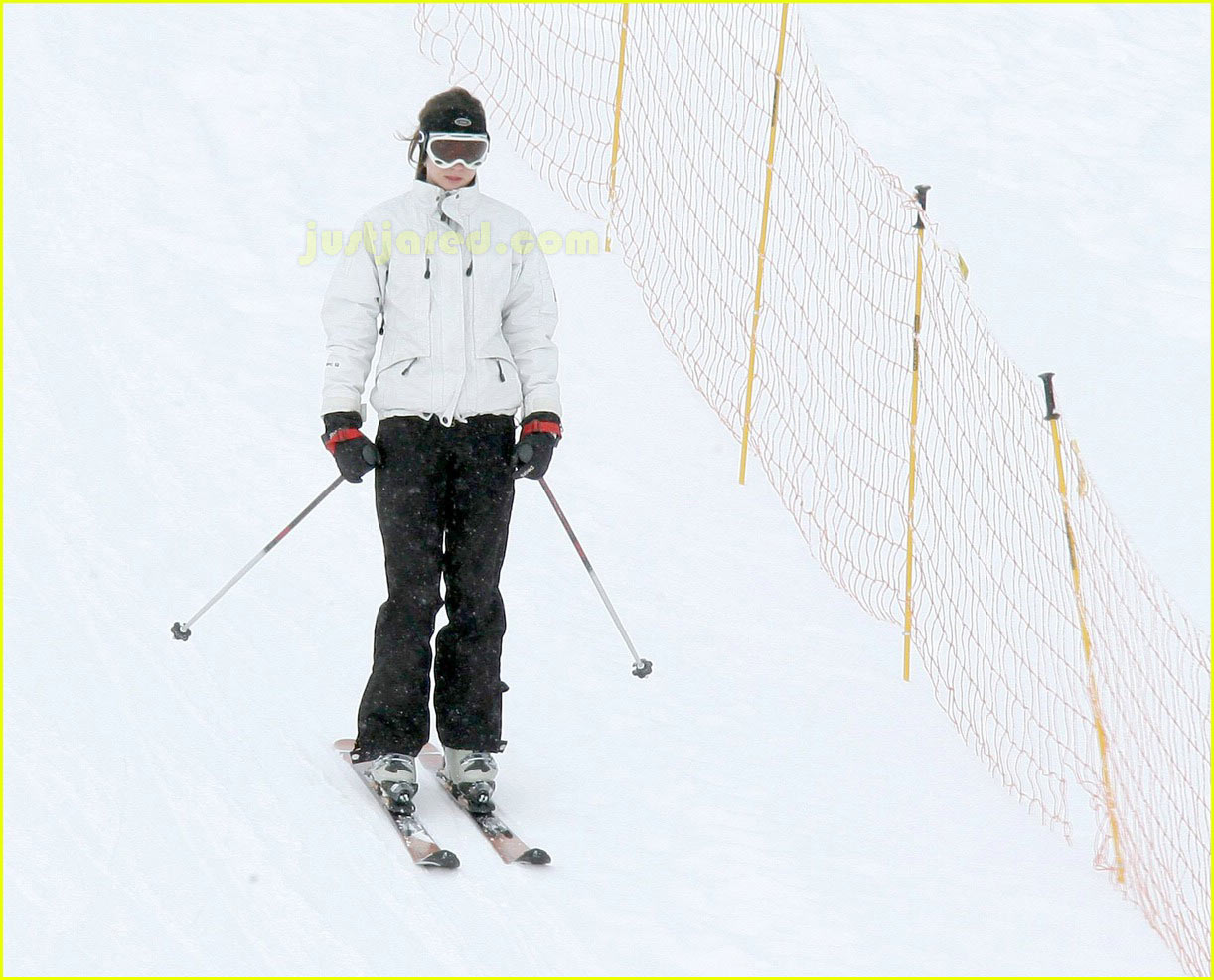 prince william kate middleton skiing 01