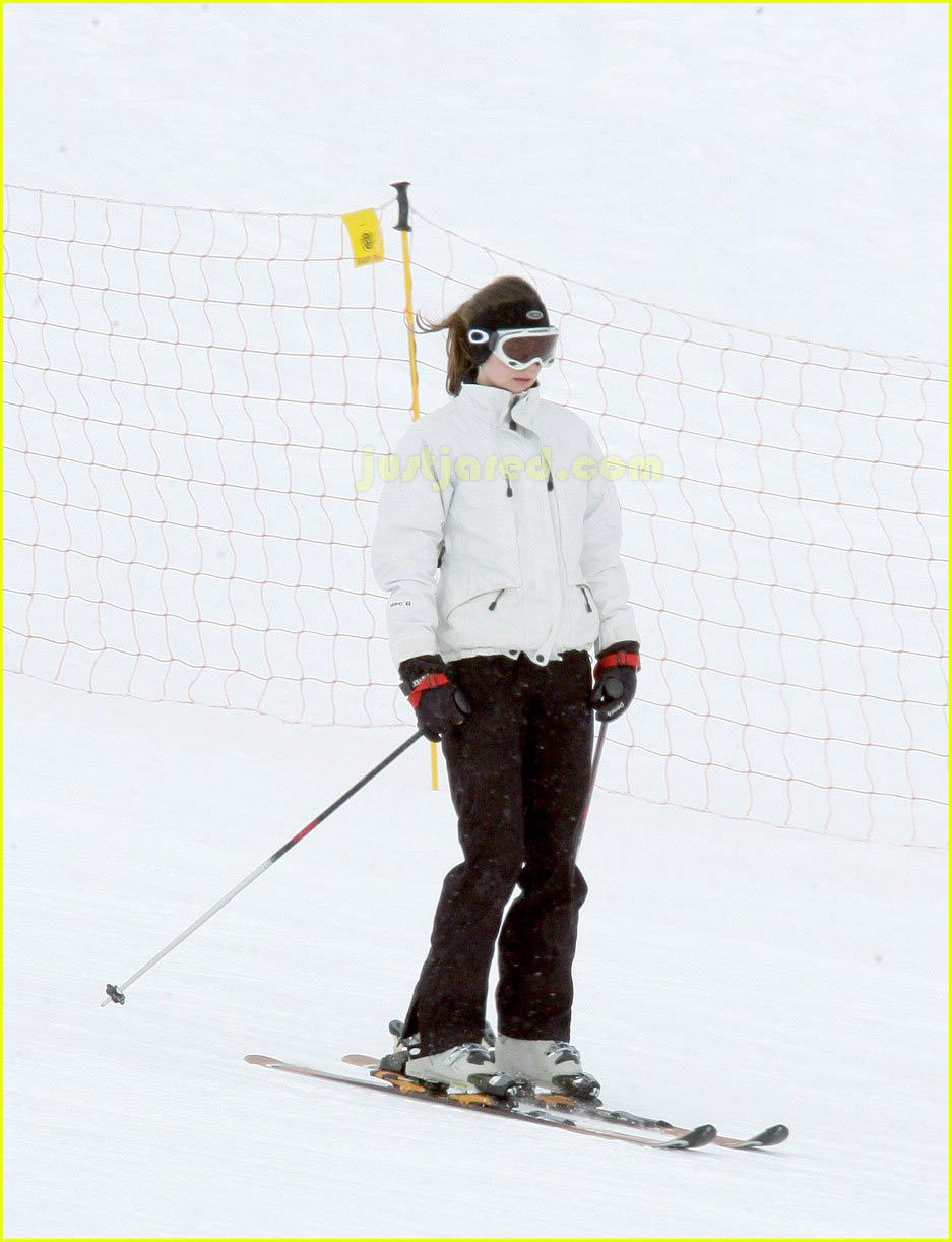 prince william kate middleton skiing 17