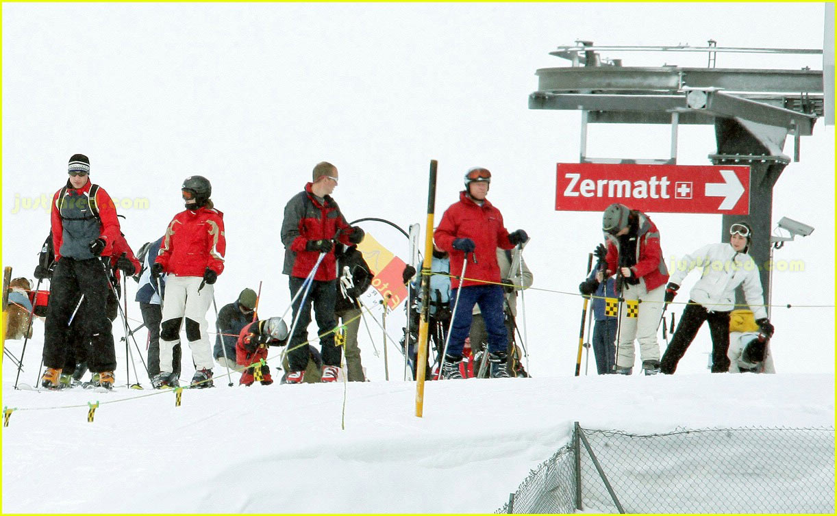 prince william kate middleton skiing 22
