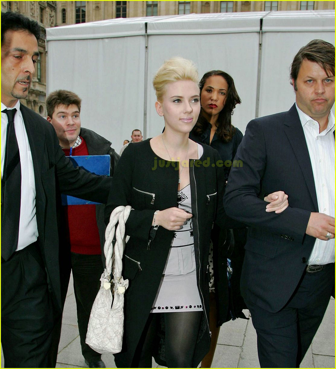 scarlett johansson paris fashion week 14