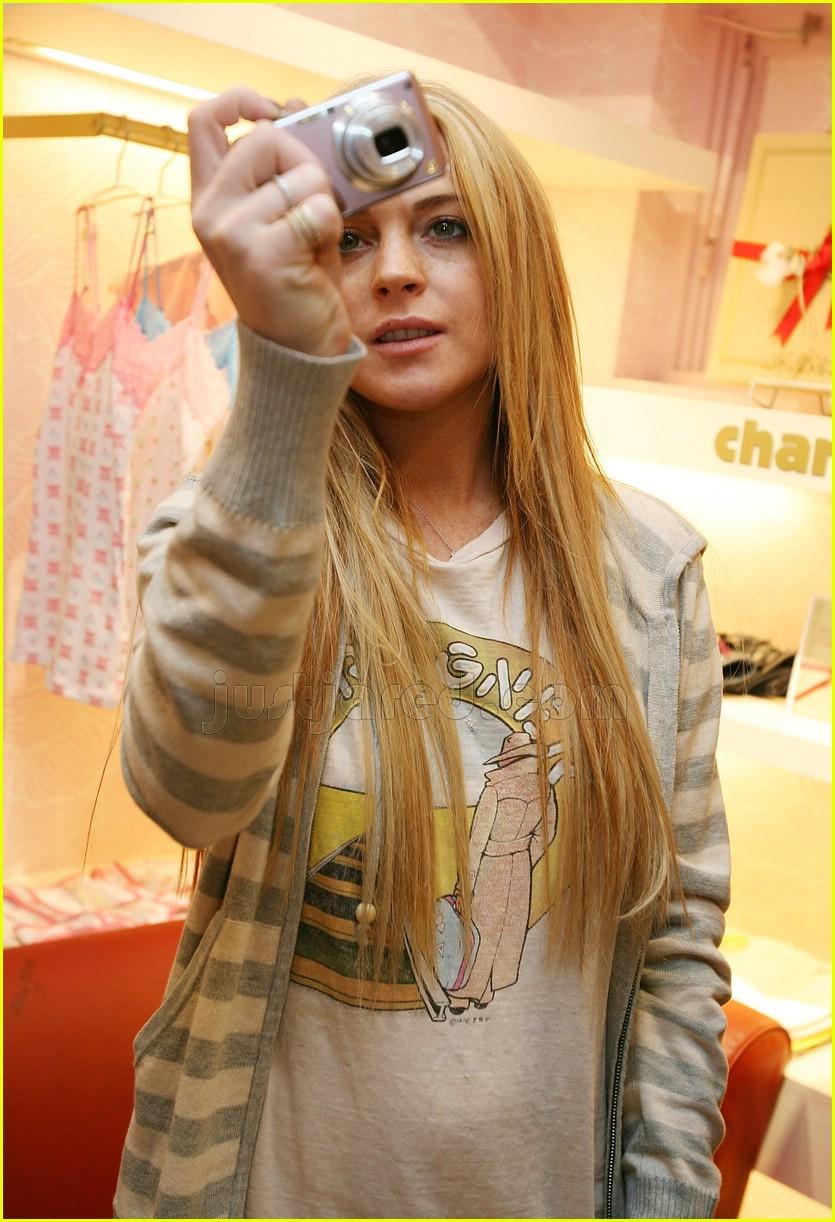 lindsay lohan japan charlotte ronson store 11