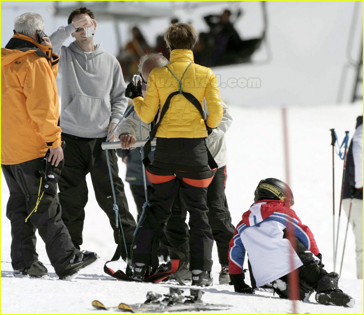posh spice skiing 16