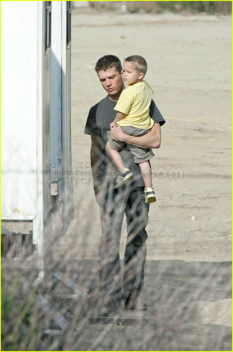 deacon phillippe ryan phillippe desert 07