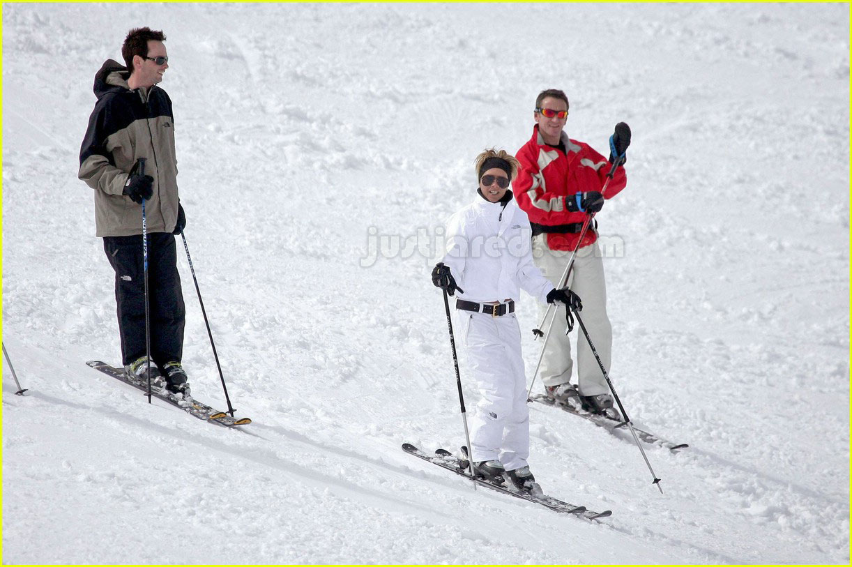 victoria beckham skiing 13