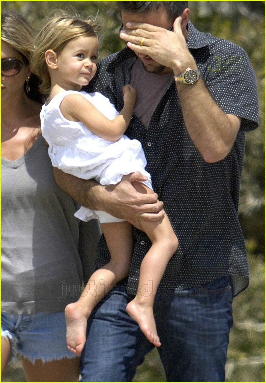 jennifer aniston memorial day 2007 15
