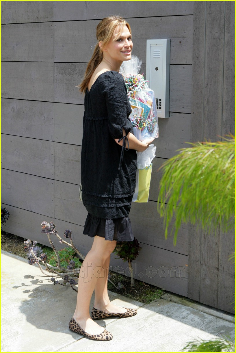 01 molly sims bridget moynahan baby shower