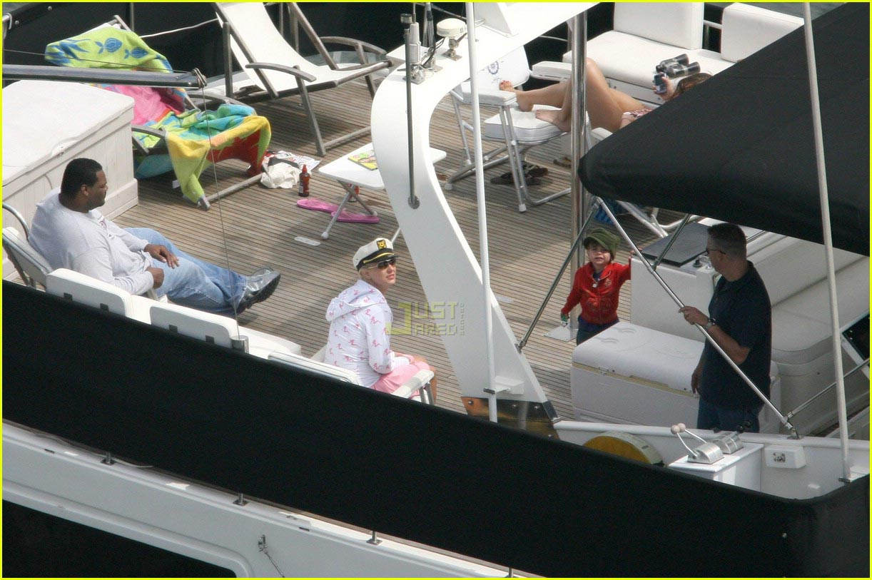 britney spears cruise 11191741