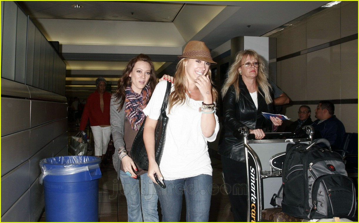 hilary haylie duff airport 01