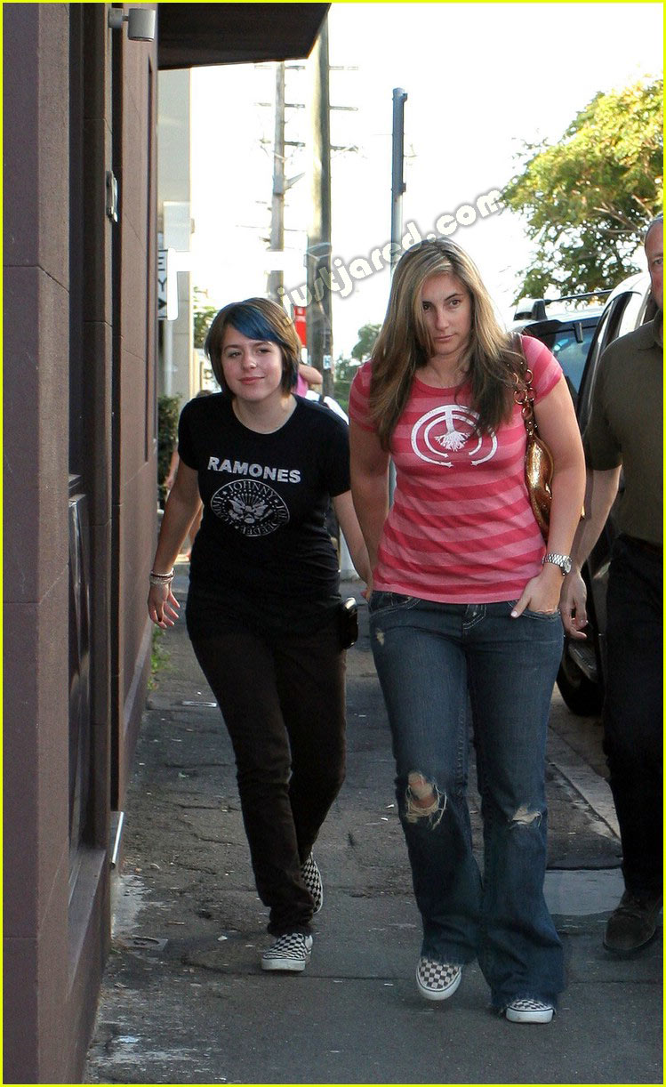 isabella cruise blue hair 02